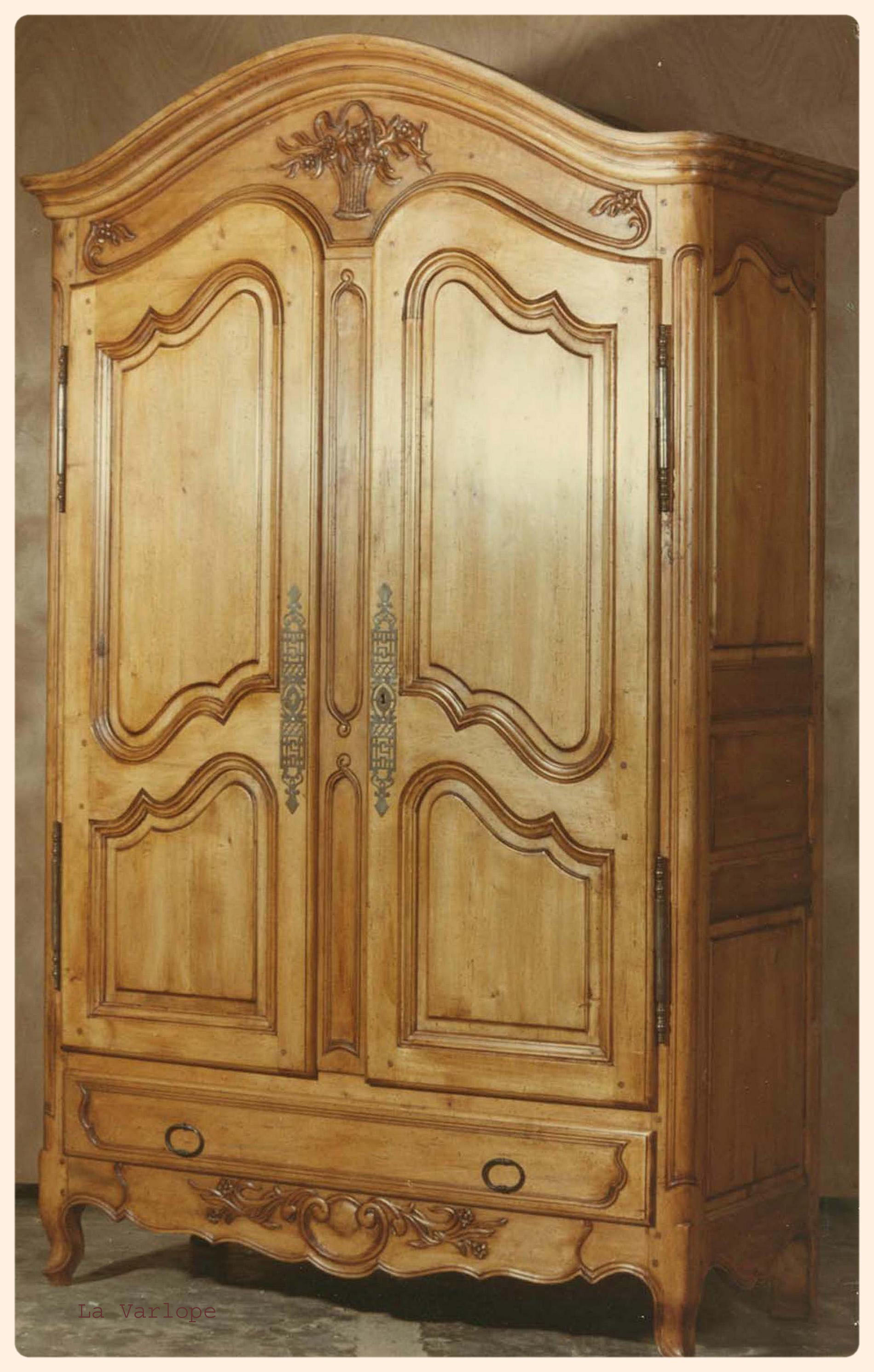 armoire bois latest aubry gaspard armoire bois brut. Black Bedroom Furniture Sets. Home Design Ideas